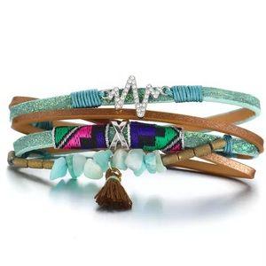 Jewelry - Gorgeous wrap bracelet🌵